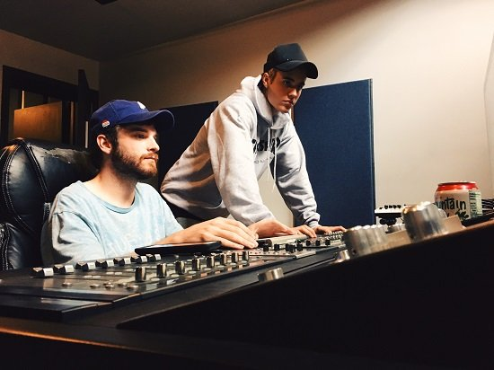 Agile Music Producer - Recording connection grand and mentor, Ryan Venable aka Ryan Mellow at Studio 713